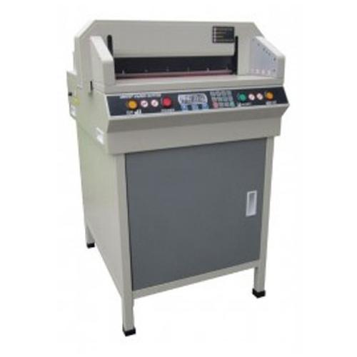 دستگاه کاتر برقی کاغذ مدل ۴۵۰VGSplus - دارای لیزر برای مشخص شدن محل دقیق برش